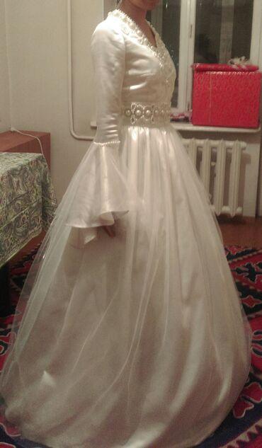 свадебные платья хиджаб в Кыргызстан: Продаю свадебное платье цвета айвери. Сшито на размер 42-44. Есть