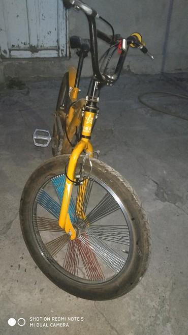 Продаю велосипед купили но не ездили просто стоит в гараже. в Бишкек - фото 2
