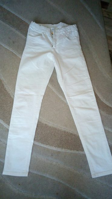 Decije farmerke bela boja HM malo nosene velicina 10-11godina - Sabac