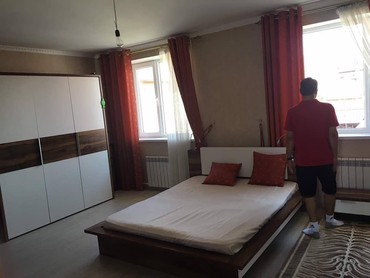 Сдаётся Особняк!3х уровнев,1300$ шикарный особняк Баха Магистраль в Бишкек