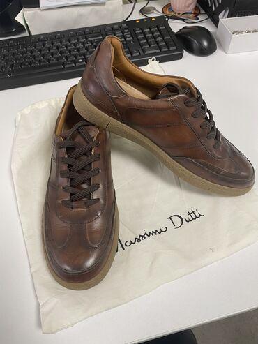Продаю кроссовки Массимо дутти 41 размер.  Покупали за 8000 сом. Уступ