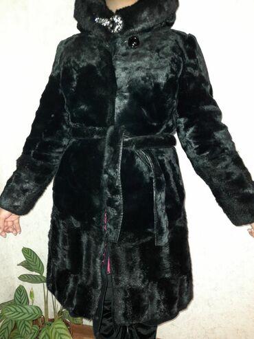 Пальто - Размер: M - Бишкек: Здравствуйте.1) Шуба из искусственного меха.Размер:М.Состояние