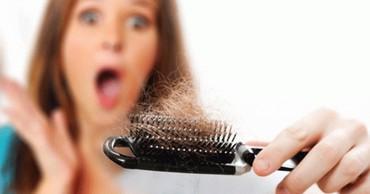 Bakı şəhərində Saç Tökülməsi bir Xəstəlik deyil, sadəcə Orqanizmdə Vitamin