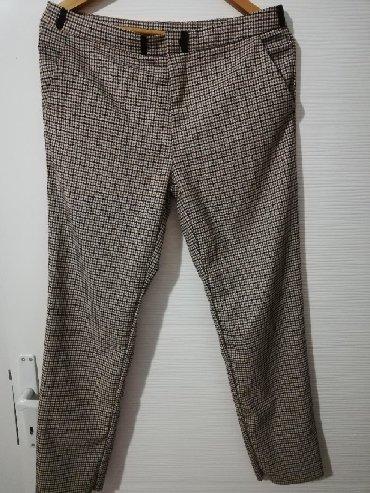 Tanje pantalone, kao nove, par puta obučene. Karirane, jako - Obrenovac