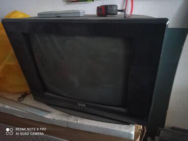 Prodajem 3 ispravna televizora,cena je za sva tri