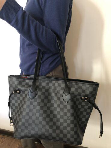 louis vuitton klatch в Кыргызстан: Продаю сумку Louis Vuitton под оригинал( lux) в отличном состоянии  От