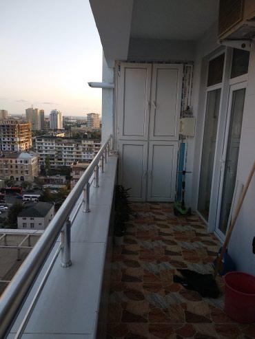 Bakı şəhərində Qara Qarayev metrosunun çıxıışında İmperial mtk-nın inşa