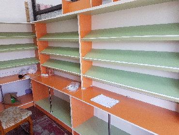 7 пар обуви в Кыргызстан: Продаю полки и стеллажи для магазина.Те, что на фото. Заказывали за