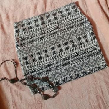 Duzina struk suknja - Srbija: Bershka aztec mini suknja, kao nova. Struk 37 cm, duzina 39 (elastin