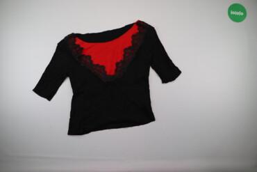 Жіноча блуза з червоною вставкою    Довжина: 52 см Рукав: 29 см Напіво