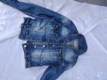 джинсова курточка в Кыргызстан: Джинсовые курточки все по 300