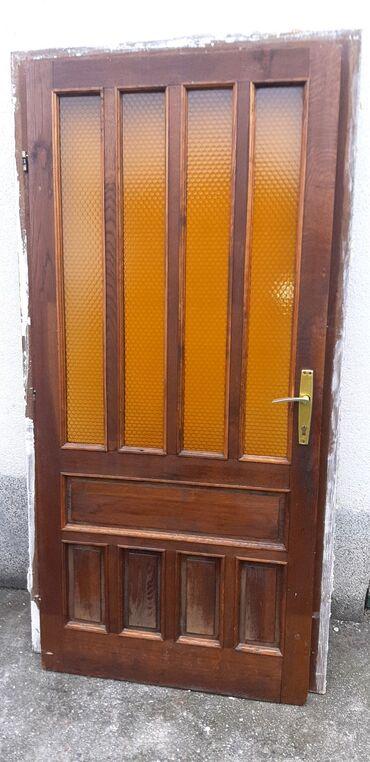 Ulazna hrastova vrata. Kompletna sa kljucem.Desna, u dobrom