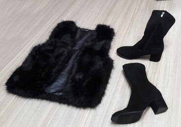 женские черные кроссовки в Азербайджан: Jiletka ile cekme bir yerde 25manat. cekme razmeri 39-40. Jiletka M-L