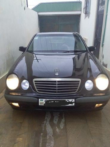 Xırdalan şəhərində Mercedes-Benz E 220 2001