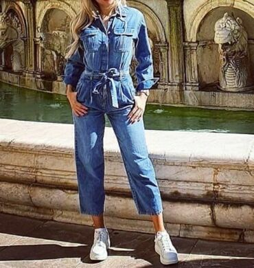 H&M teksas kombinezon sa likrom  Kombinezon je nosen samo jednom i