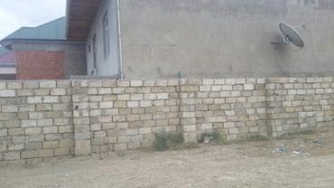 Bakı şəhərində Tecili Masazırda, merkezde  Araz marketden yuxariya donen yolda