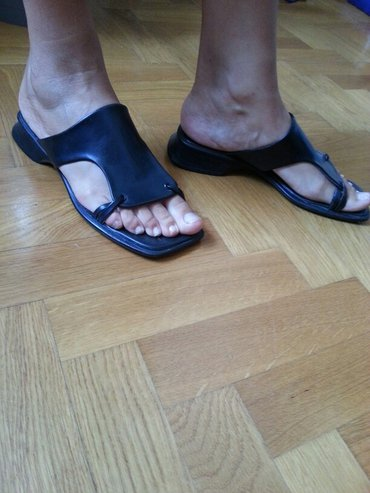 Ženske papuče kožne broj 39,u odličnom stanju. - Vrsac