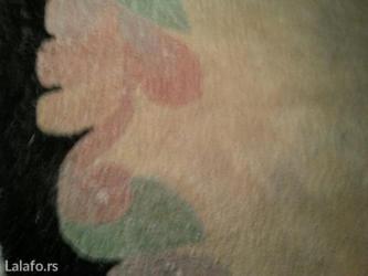 Prodaje se vuneni tepih drap sa crnom bordurom polu krug unikat radjen - Crvenka