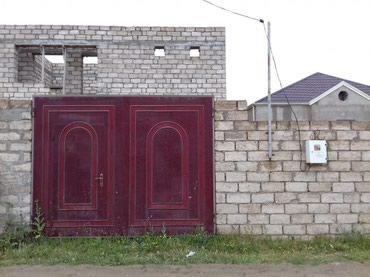 Bakı şəhərində Ramana savxozunda ev yarimciq tecili satilir senet cixarisdi