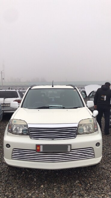 белый nissan в Кыргызстан: Nissan X-Trail 2004