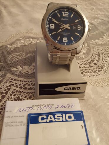 Gümüşü Uniseks Qol saatları Casio