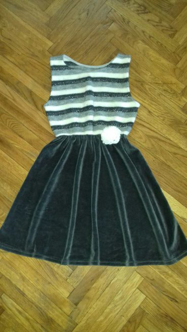 Divna haljinica,kombinacija plisa i mekane trikotaze,protkane srebrnim - Belgrade