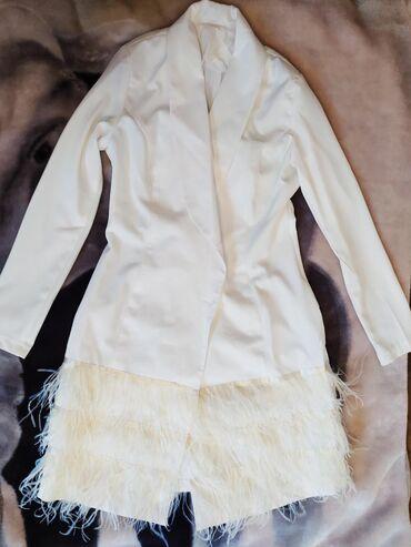 Белое платье на запах, новое сшито на заказ, без пуговиц, перья стоят