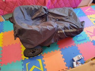 Paket obodi majice i jedne kosulje lepo odrzane - Srbija: Kolica za dete od 0 do 4 godineRasklopiva, kvalitetna, udobna, sedeci
