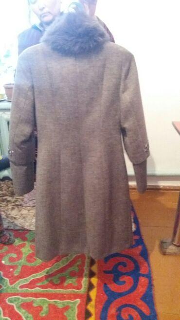Продаю пальто 5000 сома номер телефона