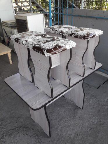Стол и 4табуретка на кухню,новые