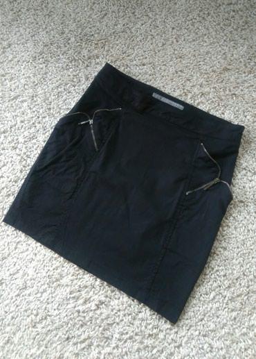 Sako crne boje - Srbija: ZARA suknja sa cibzarima Intezivno crne boje, sa cibzarima napred oko
