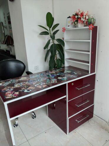 turkan - Azərbaycan: Manikur stolu yenidiQiymet 200manatSyormesi acarla baglanirUnvan