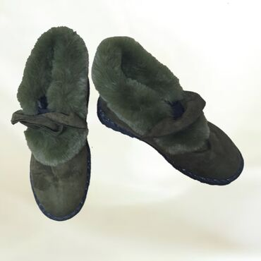 Обувь Утеплённая . Новая . Размер 36