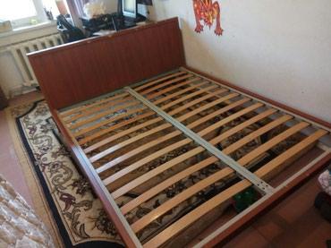 Срочно продаю бу двухспальную кровать производство Турция  в Бишкек