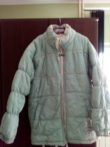 Topla zimska jakna marke head, veoma lepa,nova, nanošena. Kontakt - Valjevo