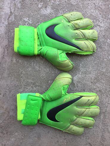 Продаются перчатки вратаря отличного качества