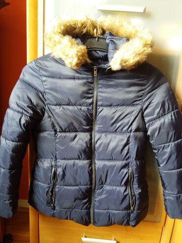 Jakna krzno - Sabac: Jakna za devojčice 10. Teget zimska jakna s kapuljačom. Meka, prijatna