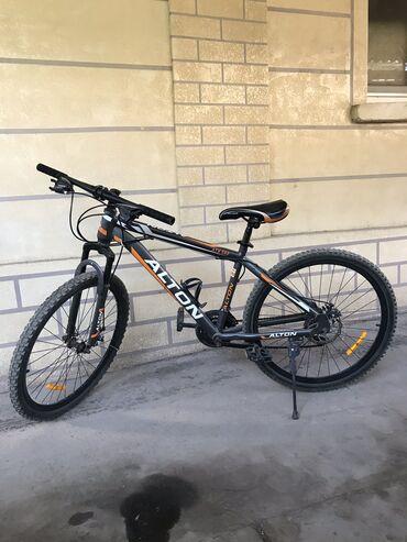 trinx велосипед производитель в Кыргызстан: Не дорого! Велосипед Alton скоростной 17я рама 26колеса, тормоза