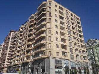 bəs-5 - Azərbaycan: Mənzil satılır: 3 otaqlı, 140 kv. m