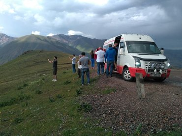 пассажирские перевозки на комфортабельном микроавтобусе по республике, в Бишкек