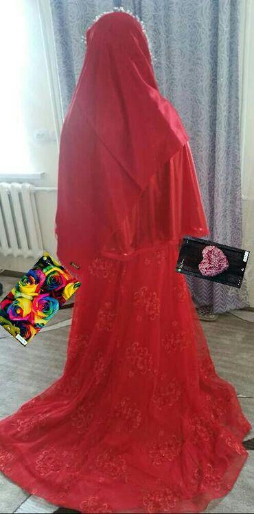 Свадебные платья - Токмак: Заберите меня стою 5300 сом срочно продается кто хочет приходите в ток