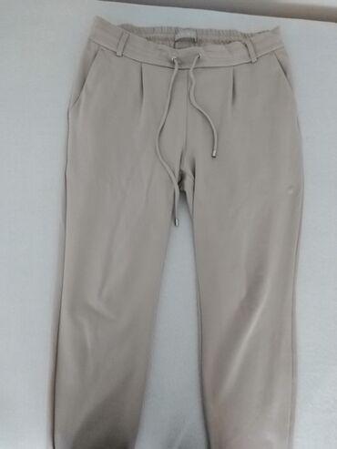 Amisu kombinezon - Srbija: Amisu pantalone, 40 vel, pune elastina, moze i za veci broj, bez