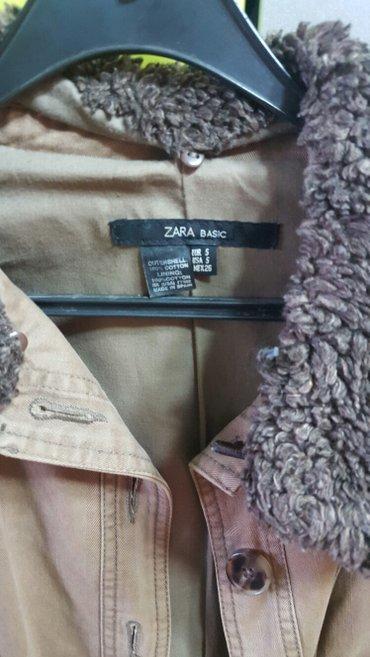 ZARA. zenska jakna-sako, vel s, kao nova, krzno se skida sa rukava i - Nis