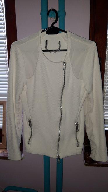 Bela jaknica deblja. Jako neobicna i zanimljiva,ima dosta lepih - Bor