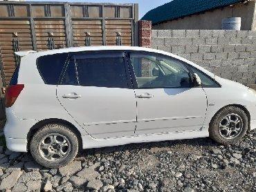 белый lexus в Ак-Джол: Toyota Corolla Verso 1.5 л. 2002 | 240 км
