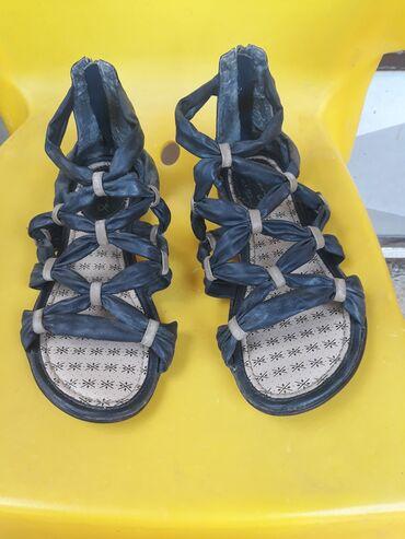 Ženska obuća | Gornji Milanovac: Mustang sandale,broj 40,očuvane,malo nošene