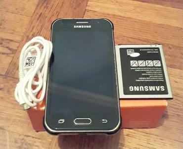 Б/у Samsung Galaxy J1 4 ГБ Черный