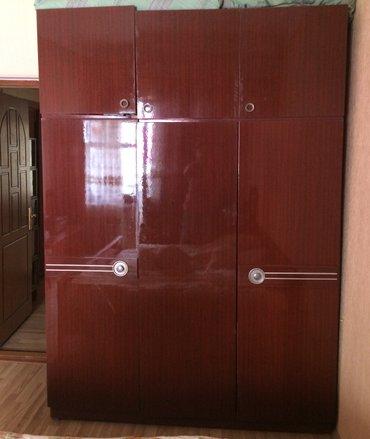 Bakı şəhərində Продаётся мебель, б/у: шифоньер с антресолью трёхстворчатый и шкаф для