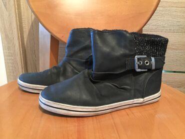 Обувь б/у детская осенняя. Размер 33. На девочку 7 - 8 лет