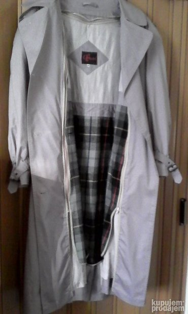 Zenski mantil boje jorgovana-svetlo ljubicast, velicina 44-46. Ima - Belgrade